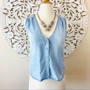 {Cloth & Stone} Sleeveless Chambray Vest Top